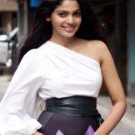Bhetali Tu Punha Marathi Movie Actress Pooja Sawant