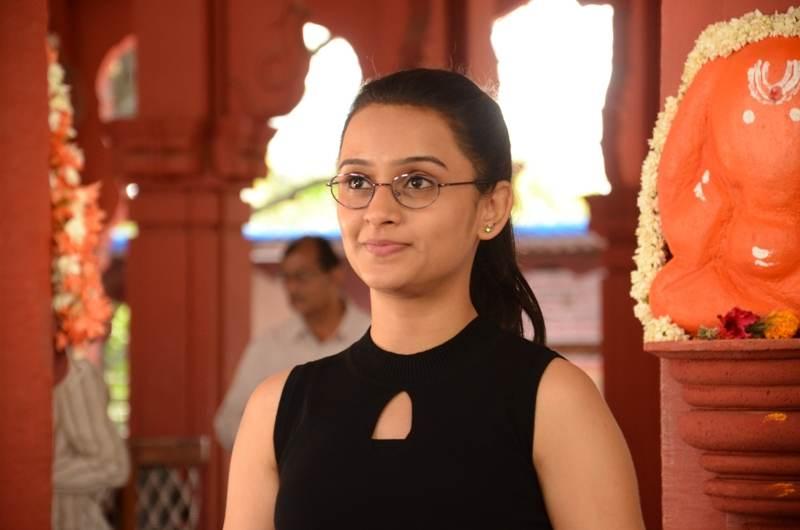 Parna Pethe Photocopy Movie