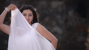 shruti-marathe-marathi-actress-in-saree-latest-photo