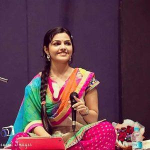 Arya Ambekar Actress Ti Saddhya Kay Karte