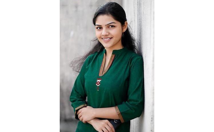 Arya Ambekar Marathi Actress