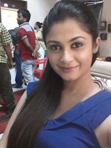 Ruchi Savarn Marathi Actress HD Photo