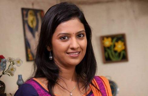 Tejashree Pradhan Marathi Actress Photos Biography