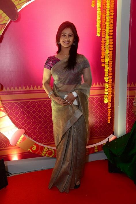 Mrunal dusanis colors marathi gudipadwa spesal star marathi mrunal dusanis colors marathi gudipadwa spesal thecheapjerseys Images